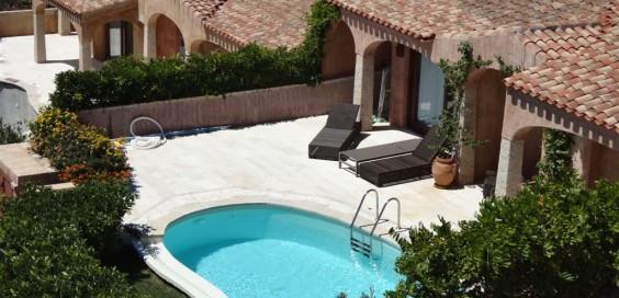 Sardegna costa smeralda villa con piscina sardinia costa - Immagini ville con piscina ...